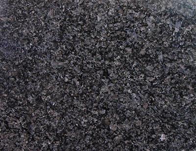 """S-05: Piso de piedra """"Granito Negro Sudafrica"""". (Dado el alto costo de la piedra, estesuelo tiene un incremento del presupuesto dado, que depende de la superficie de la cabina,por lo que debe ser consultado el incremento que corresponde)."""